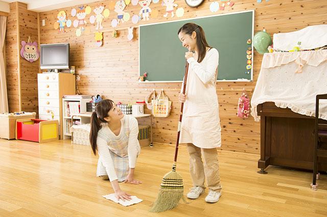保育園の環境作りは、保育士の清掃から