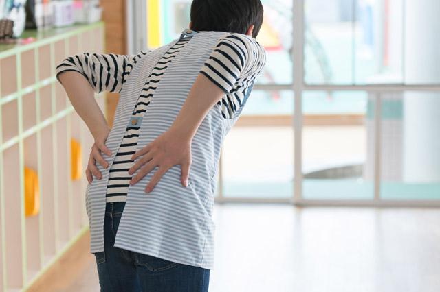 保育士の腰痛やぎっくり腰の予防法